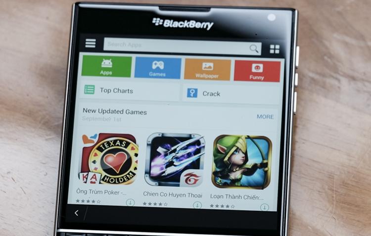 3130576_BlackBerry_Passport_1mobile.jpg