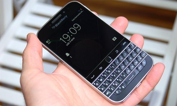 blackberry_classic_1.jpg